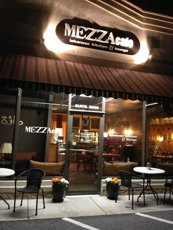 Mezza Cafe: Mezza at night