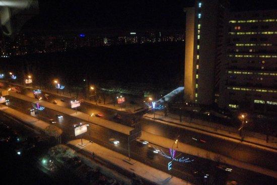 Hotel Astrus: Вид из окна на Ленинский проспект