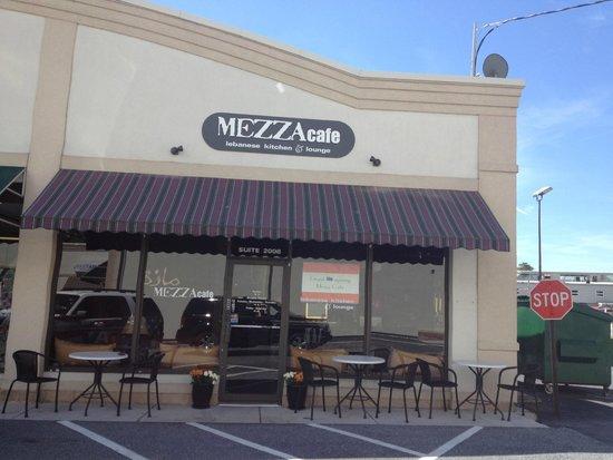 Mezza Cafe: Outside
