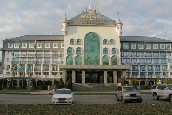 Shiny River Hotel: Лицевой фсад