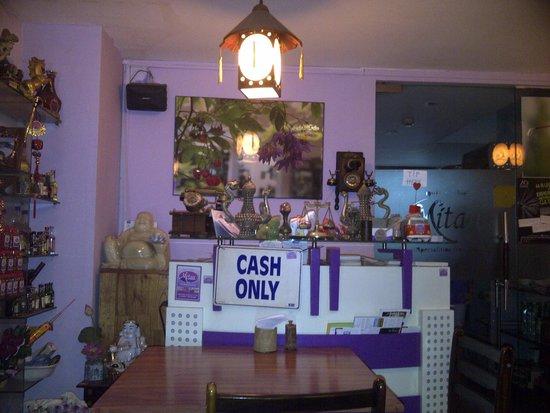 Mitau Restaurant - Traditional Hue Cuisine: seating area