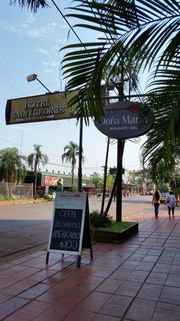 Doña Maria Restaurante: lado externo do restaurante