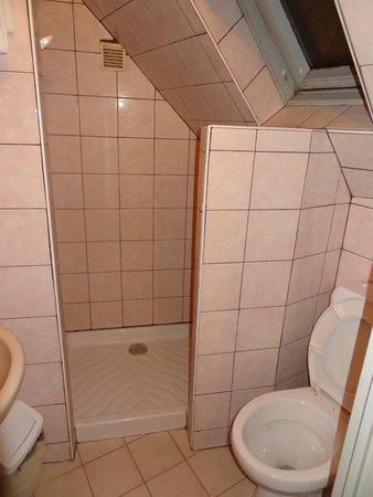 Hotel De La Comete: Hotel Bathroom