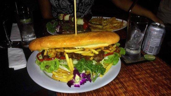 Grill Bill : BIG sandwich!