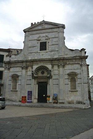 Chiesa e Battistero di San Giovanni e Santa Reparata: Вид на церковь