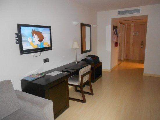 Centric Atiram Hotel : Escritorio y Hall