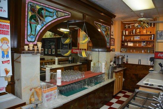 Lyons Soda Fountain & Bakery