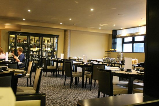 Maryborough Hotel & Spa : Breakfast room