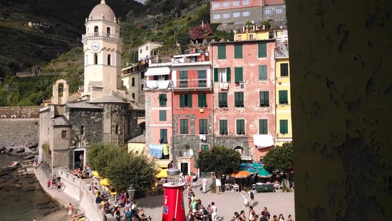 Franca Maria Rooms: View of Vernazza from Room 2