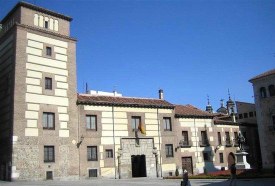 Casa y torre de los lujanes madrid spain top tips for Casa y jardin tienda madrid