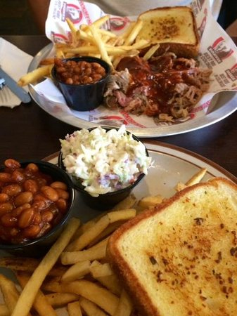 Hickory House: vegetarian and meat lovers dishes