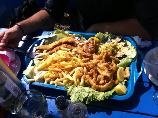 Sea Gypsy Cafe : An idea of the special platter (for one)