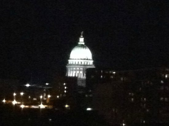DoubleTree by Hilton Hotel Madison: view of capitol