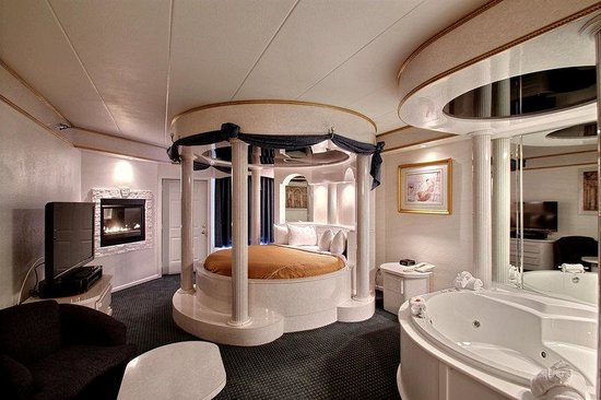 BEST WESTERN Designer Inn & Suites: Roman Palace Suite