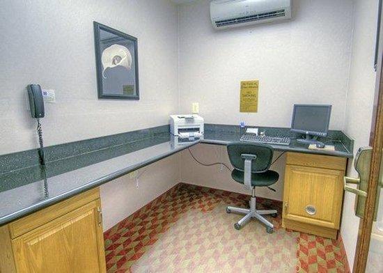 Comfort Inn: VABusiness Center1
