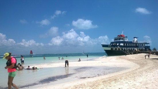 Las Perlas Condos : playa cangrejos