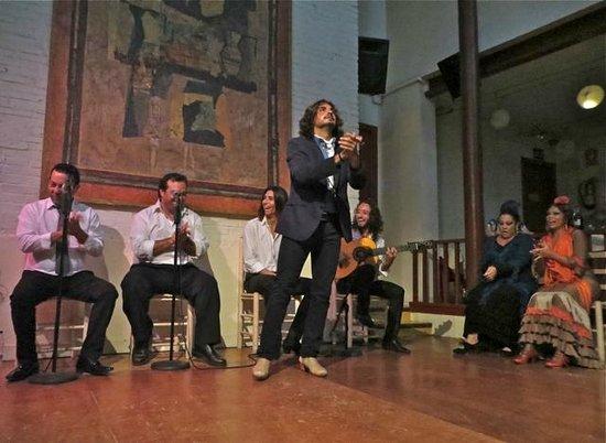 El Tablao de Carmen : A performer at Tablao de Carmen
