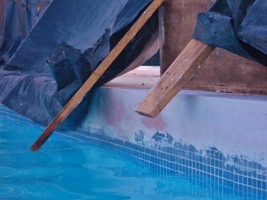 Occidental Nuevo Vallarta 2x4 S And Nails Hanging In The Pool