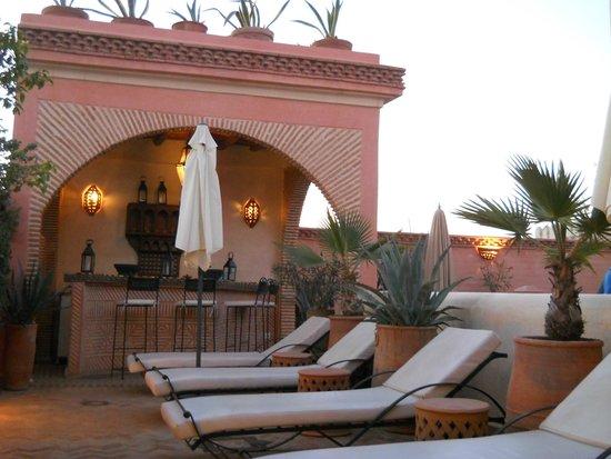 Riad Les Trois Palmiers El Bacha : Terrasse