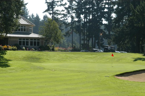 Dupont, WA: Clubhouse and 18th Green