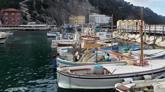Ristorante bagni sant 39 anna fishing fleet towards picture of ristorante bagni sant anna - Bagni sant anna sorrento ...