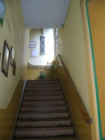 Hostal Girasoles: El acceso