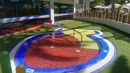 Mediterranean Palace Hotel: Pool in kids club
