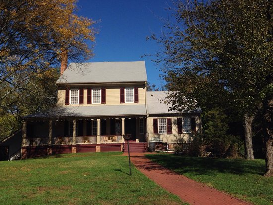 Main House at Sully Historic Site