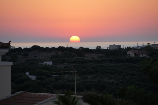 Aloni Suites: the sunset