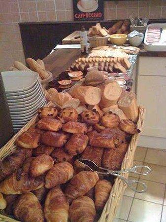 Hotel Le Goelo : Breakfast