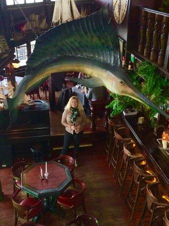 Christopher Columbus Restaurant : Hyggelig atmosfære og fantastisk udsigt over havnen