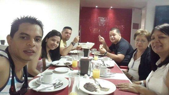 City Express Ciudad de México Alameda: Desayunando en el Hotel