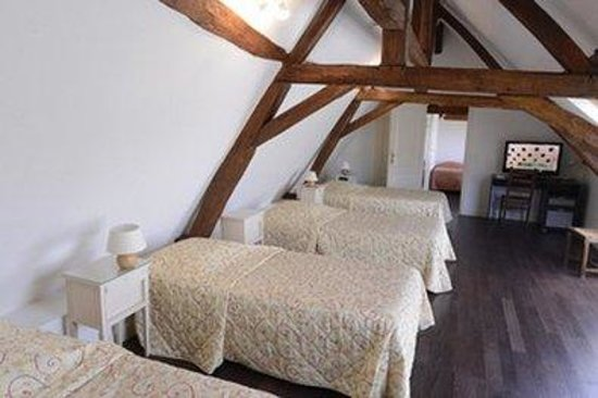 Hotel Le Cheval Rouge: Guest room