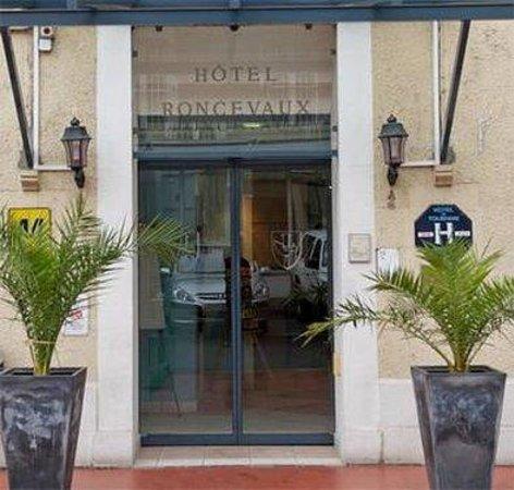 Hotel le Roncevaux : Entrance