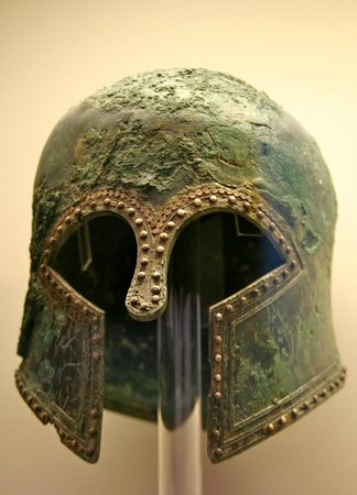 TaxiKatakolo Tours to Ancient Olympia: Helmet in the Olympia Museum
