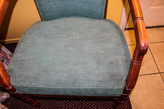Fallbrook Country Inn : stained chair in room