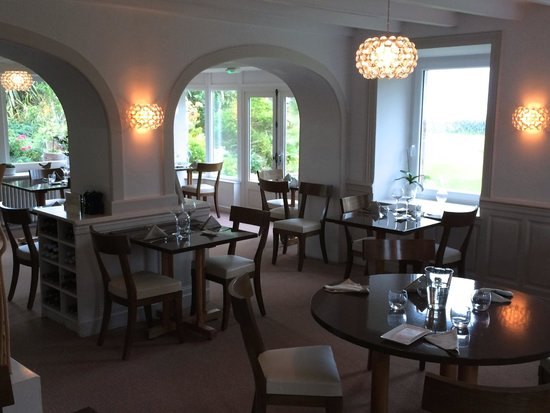 Le Moulin a Vent: The Dining Room