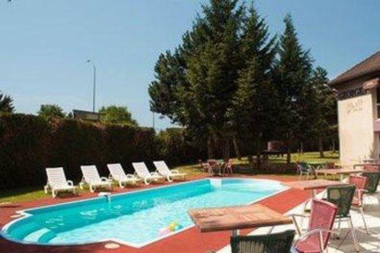 Inter-Hotel Le Saint Georges : Pool