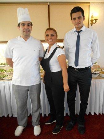 Nena Hotel: Breakfast staff