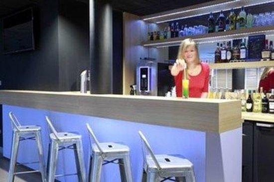Inter-Hôtel L'Haut'Aile : Bar