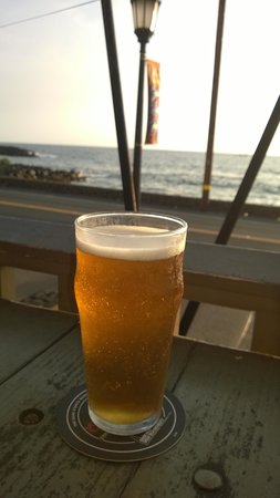 Humpy's Big Island Alehouse: Ahhhh nice cold beer!