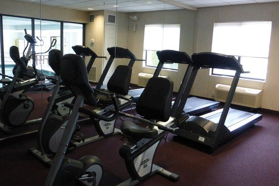 Red Roof Inn & Suites California, MD - NAVAIR: Fitness Facility