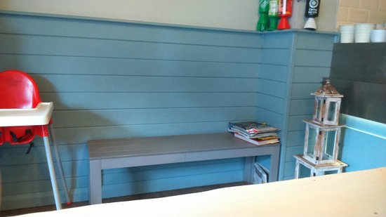 The Ruddy Duck : Waiting Bench in Take-Away Area