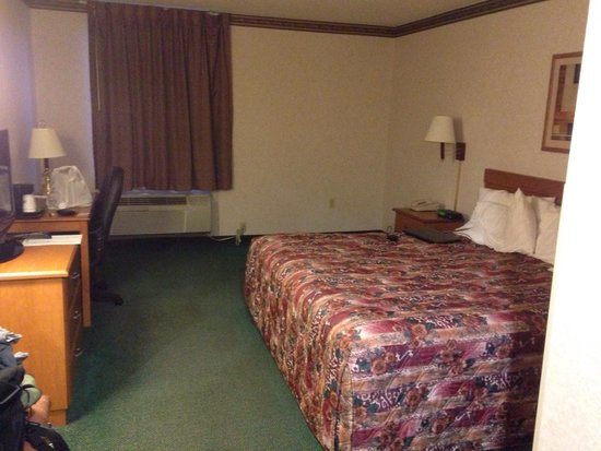 Days Inn Jefferson City : King room