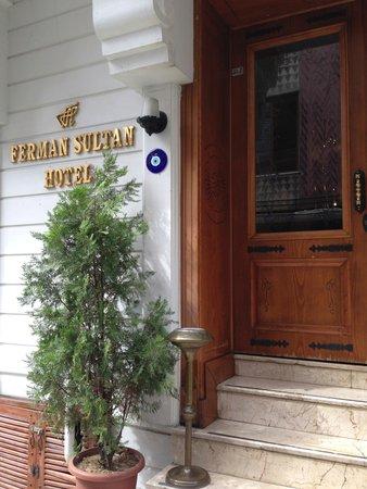 Ferman Sultan Hotel: Front Door