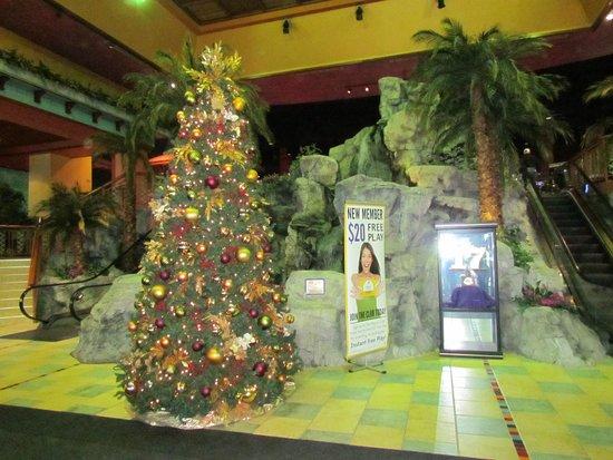 Wheeling Island Hotel Casino Racetrack: Wheeling Island Casino - December 25, 2013