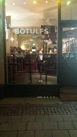 Botulfs, Cafe Bar o Restaurang : Udefra