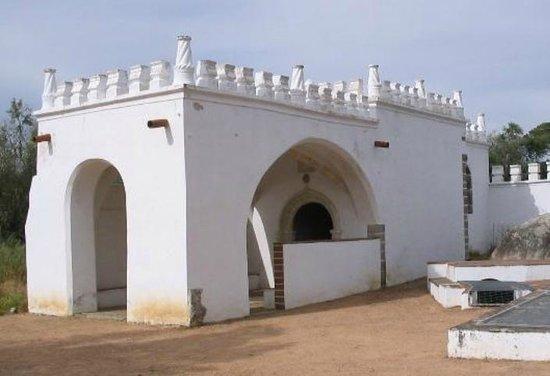 Capela Tumular de Garcia de Resende
