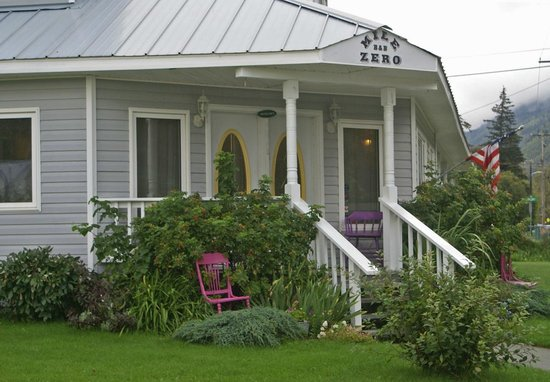 Mile Zero Bed and Breakfast: main entrance off main street