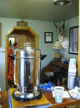 Trail Riders Motel: Morning coffee